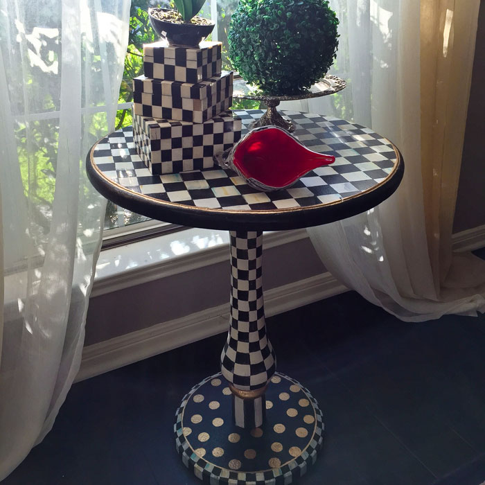 Mackenzie Childs inspired accent table - DIY | Alice in Wonderland |Home Decor |Baroque Interior |Glam interior | Black and White Furniture | DIY Home Decor | DIY Furniture